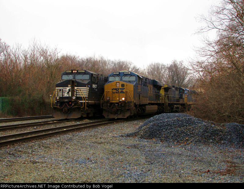 NS 8907 and CSX 856