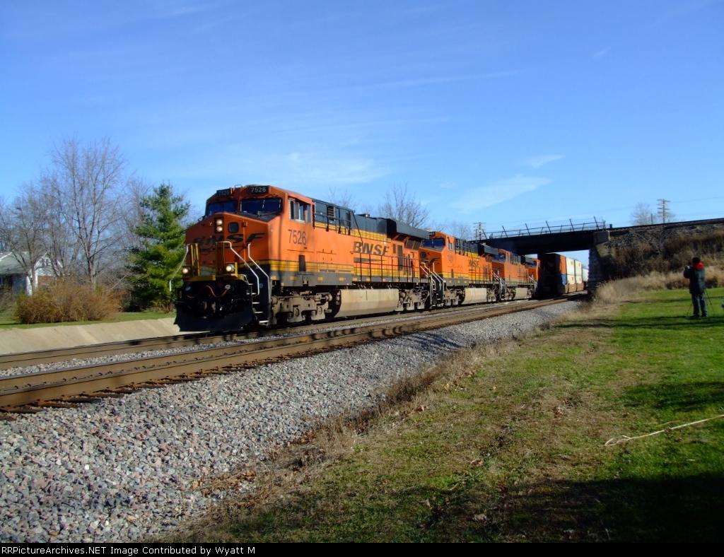 BNSF 7526