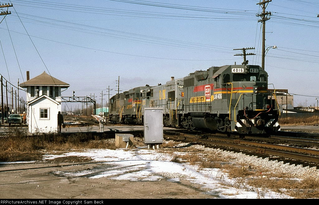 L&N 4016, 2723, 1001, and 4006 at Hohman Avenue