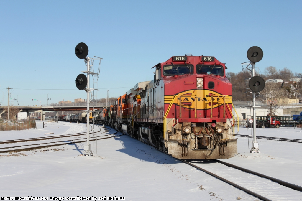 BNSF 616 leads an awesome 8 engine lashup through Santa Fe Junction.