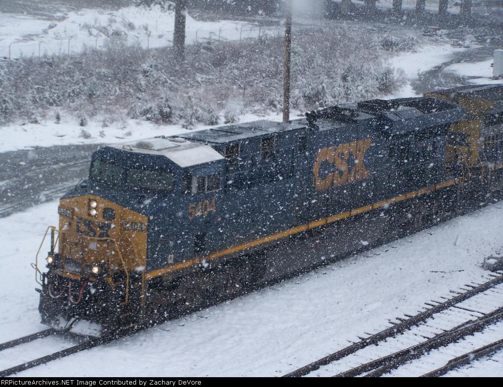 CSX 5404 in the Snow