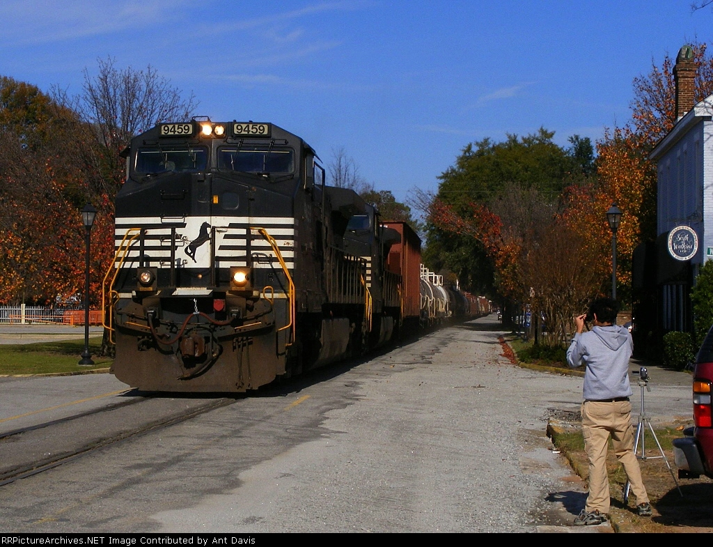 Fellow RRPA Member Nikos Kavoori Captures his first Street Running Train Every way he can!