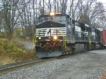 Norfolk Southern 9075 and 2535