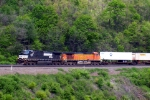 BNSF 5441 visits the curve