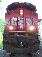 CN 2200