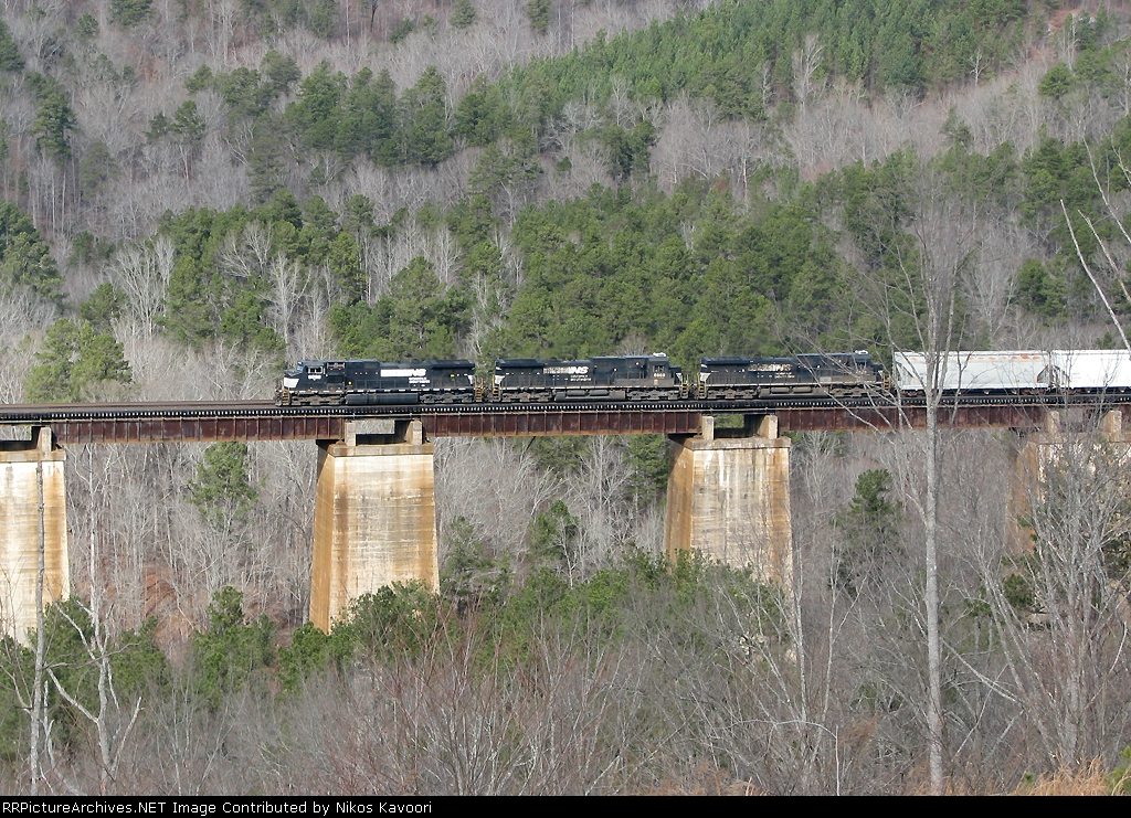 NS 153 heads south after switching Toccoa, next stop Gainesville!
