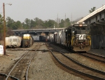 NS 8882 leads a southbound manifest through Chamblee