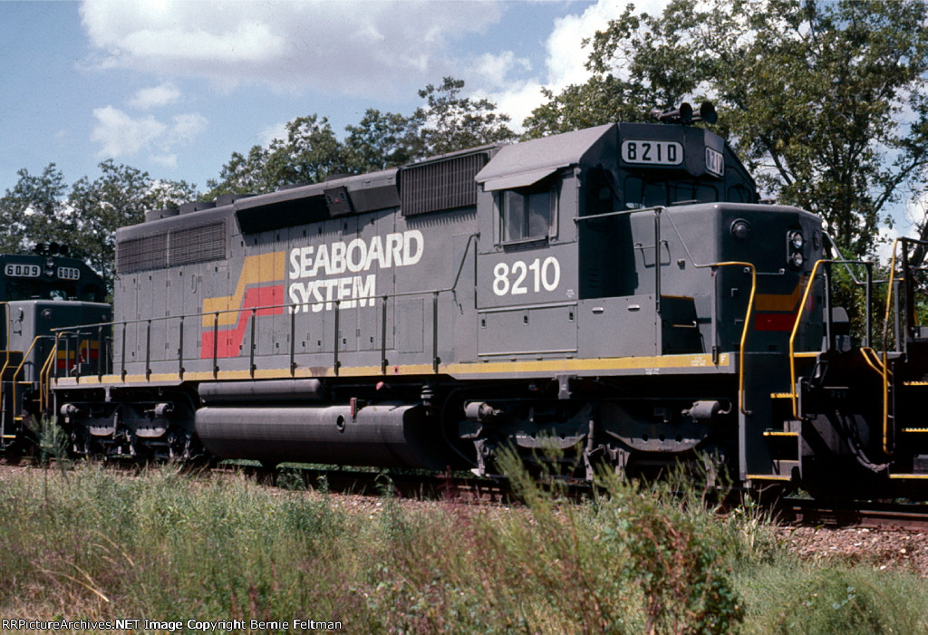 Seaboard System SD40-2 #8210