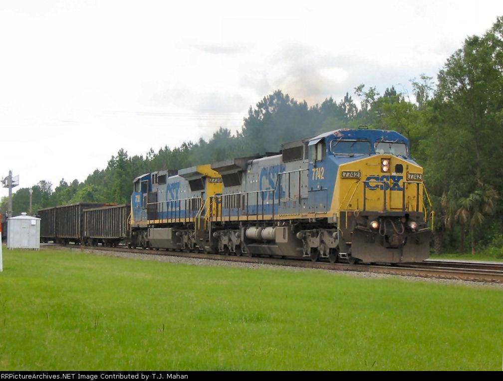 CSX 7742 & 7738