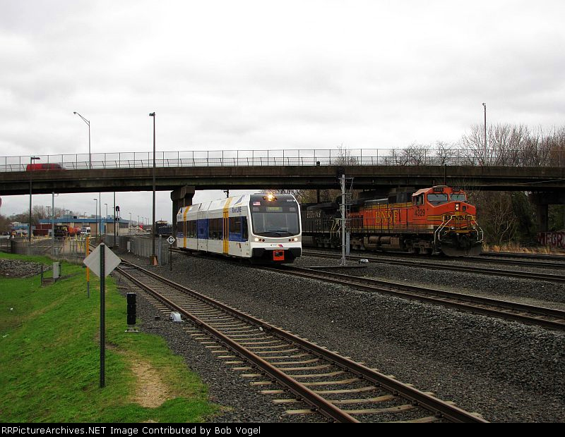 NJT 3507 and BNSF 4329