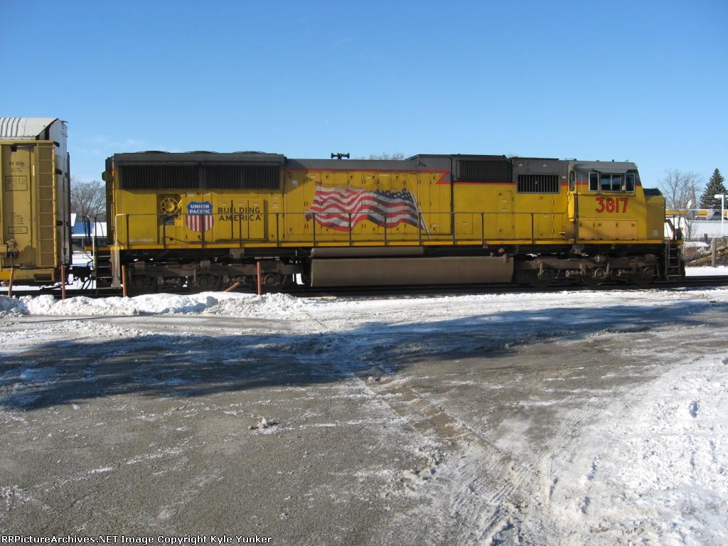 NB UP autorack train dead