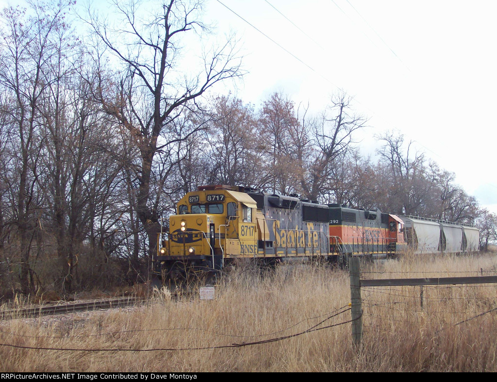 BNSF 8717 West on the Lyons Branch at 63rd Street