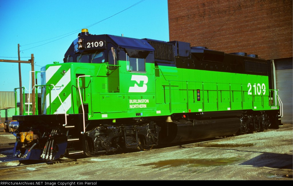 BRAND NEW BN GP38-2 #2109