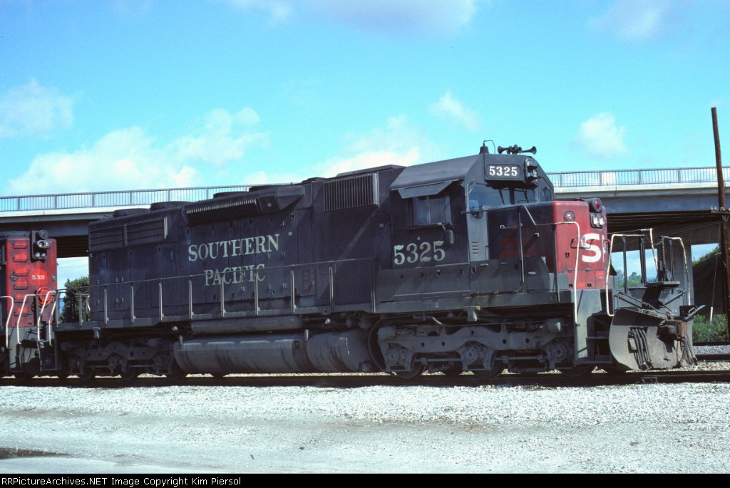 Southern Pacific SD39 #5325