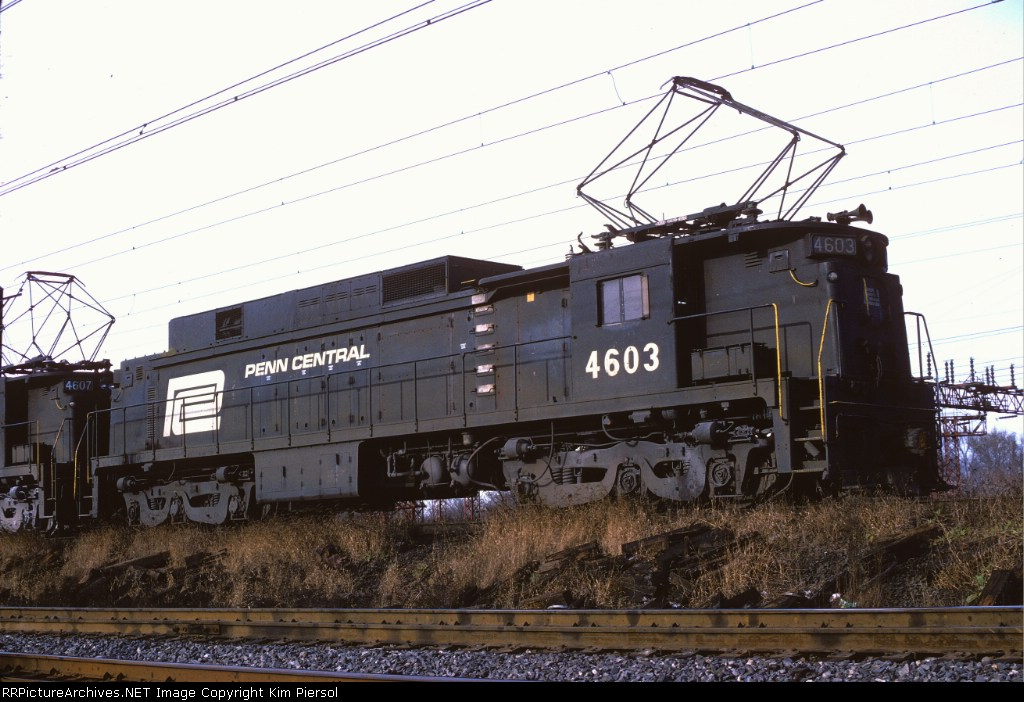 Image Gallery E33 Locomotive