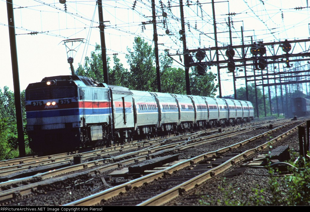 Amtrak E60CH #975