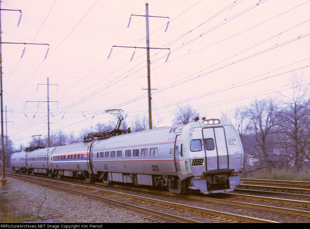 (Early) Amtrak (Penn Central) Metroliner #887