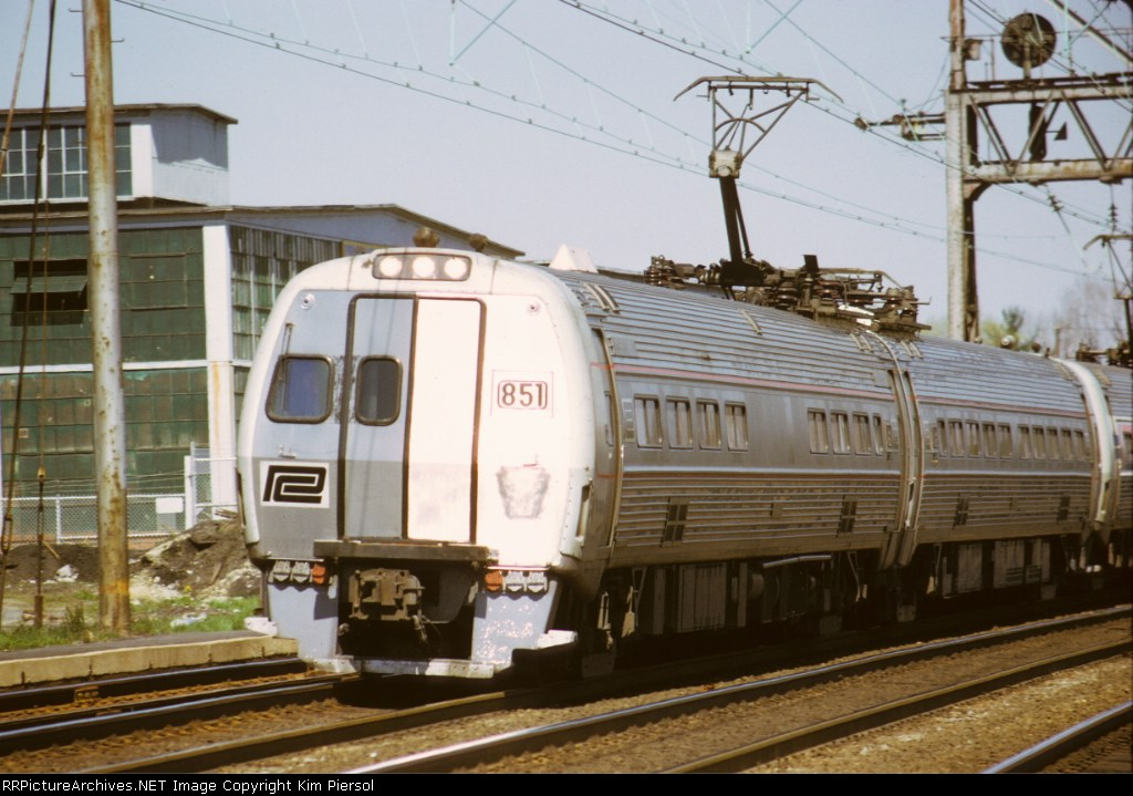 (Early) Amtrak (Penn Central) Metroliner #851