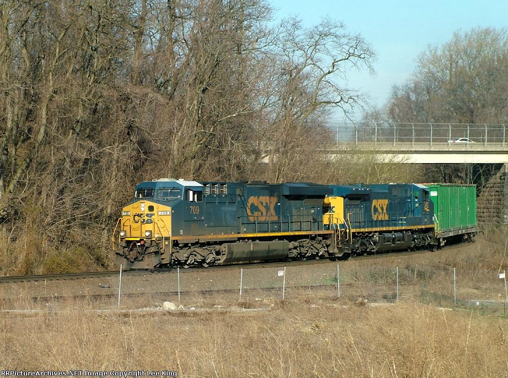 CSX 709 Q703