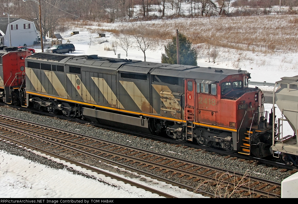 CN 2418 on CSX K693-27