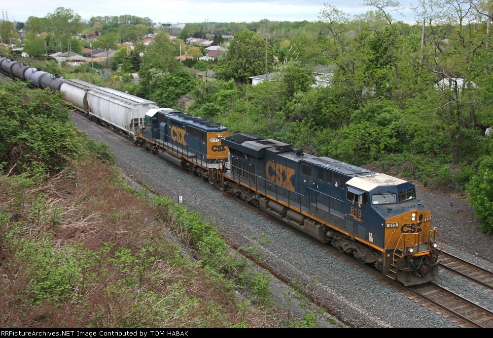 CSX 819 on CSX K684-02