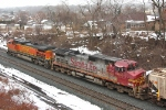 BNSF 665 on CSSX Q393-17