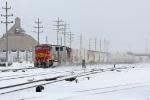 BNSF 8226 on CSX Q393-10