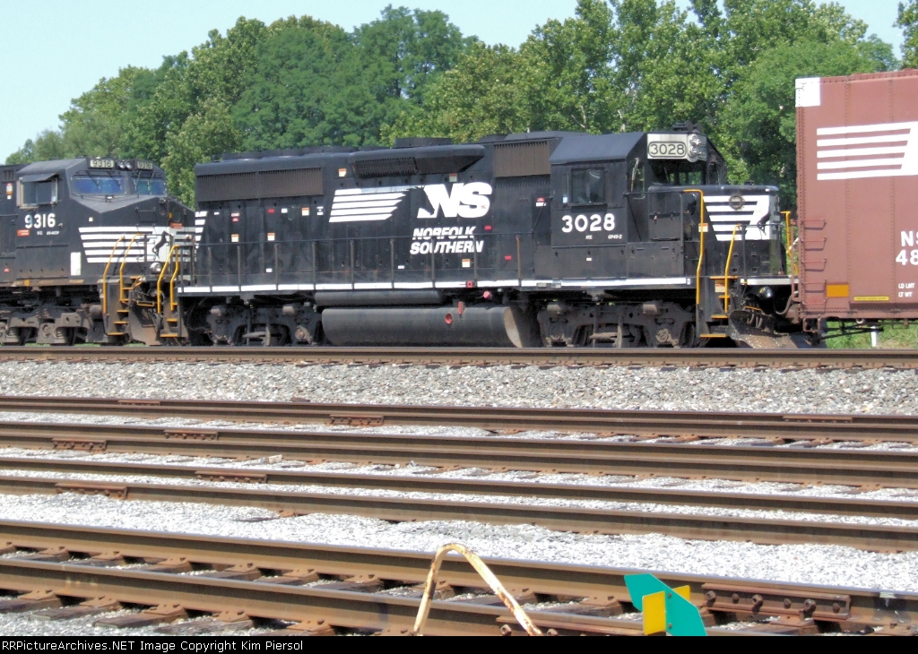 NS 3028 67Q