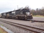 NS V11 working Broadway Yard