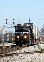 NS 9936, southbound NS I1T
