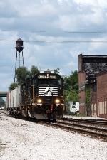 NS 4624, eastbound NS D37