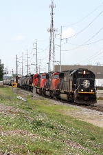 IC 1000, northbound CN train A43171-16