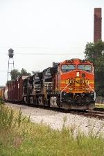 BNSF 5308, eastbound NS 32Q