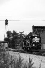 NS 5177, eastbound NS D37
