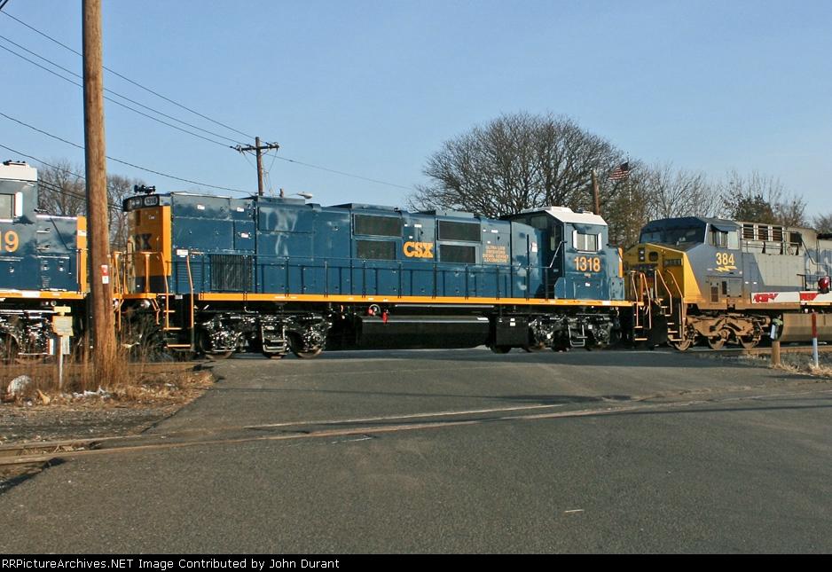 CSX 1318 on Q-409