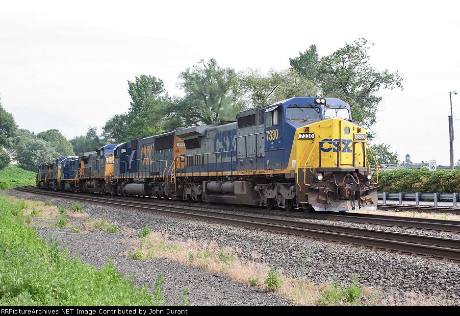 CSX 7330 on Q-418