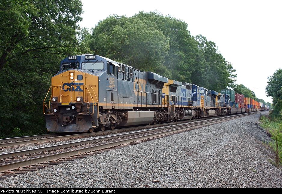 CSX 889 on Q-169