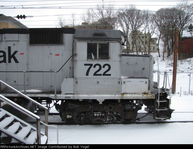 AMTK GP38 722