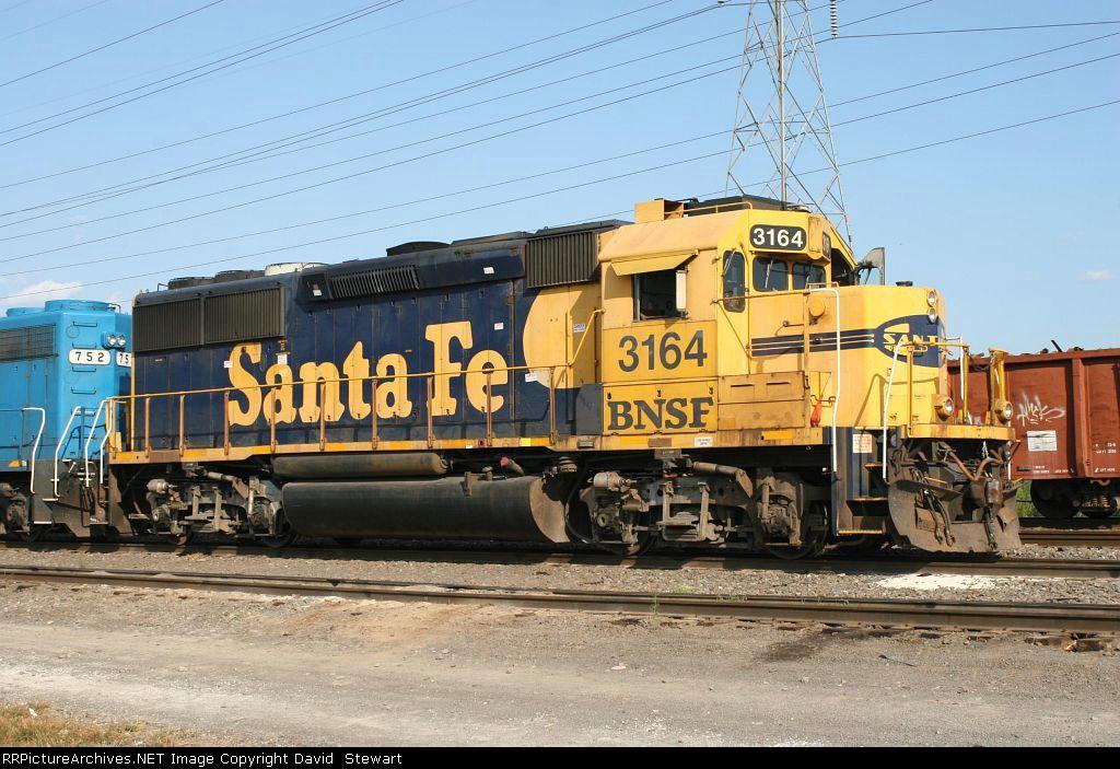 BNSF GP50 3164