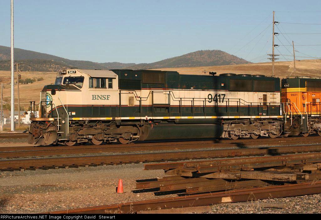 BNSF SD70AC 9417