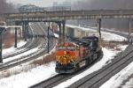 BNSF 4975 on NS 206