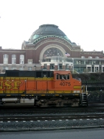 BNSF 4075 passing the old Union Station building