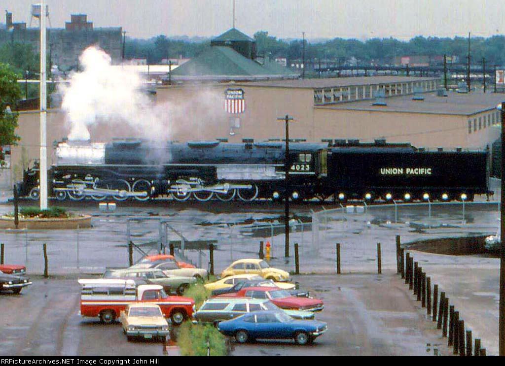 """1019-21a Big Boy UP 4023 """"Under Steam"""" (Shop steam)"""