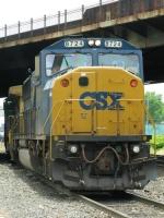 CSXT 8724 & 9052