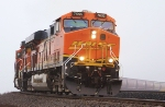 BNSF 7695, the only GEVO with a yellow swoosh.