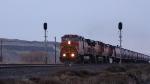 BNSF 658 splits the signals