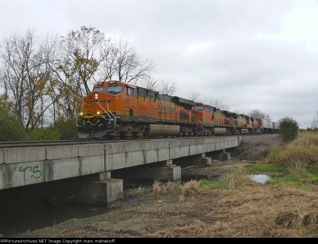 BNSF 7271
