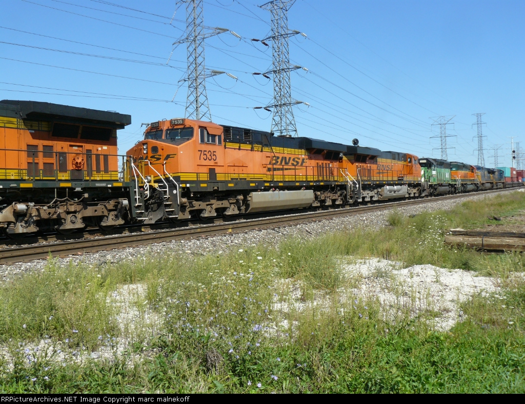 BNSF 7535