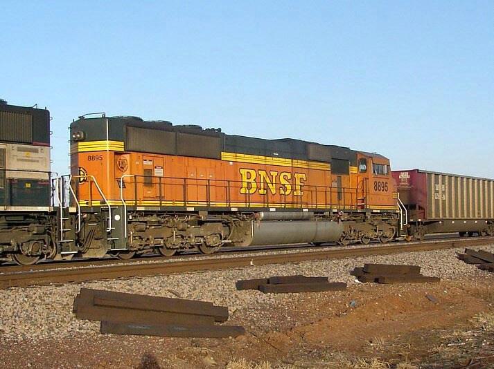 BNSF 8895