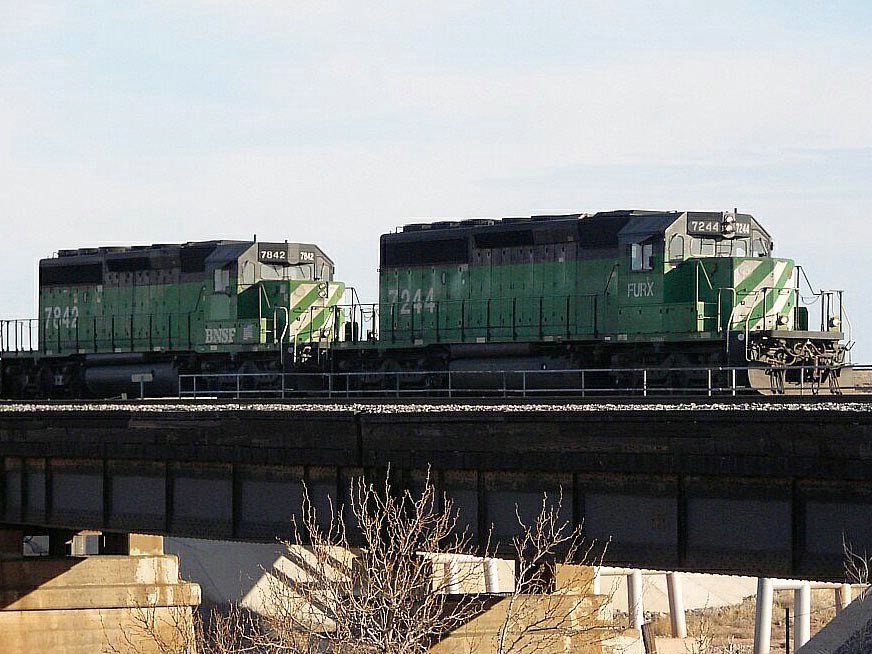 FURX 7244 and BNSF 7842